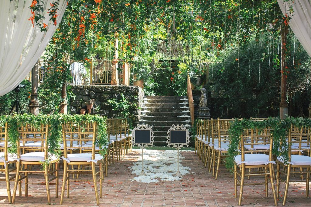 Fresh Outdoor Wedding Trends