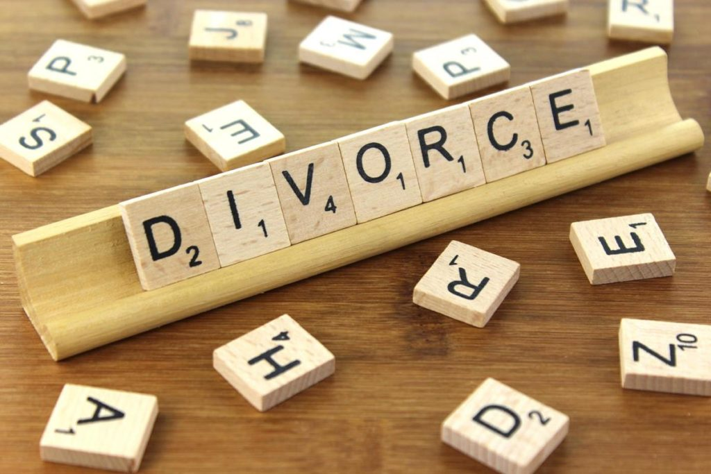 Easy Guide For Choosing The Best Divorce Lawyer